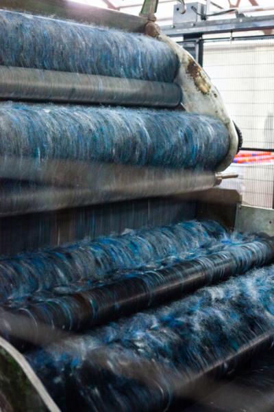 harris-tweed-authority-blended-wool-carding-machine_alison_johnston_encompass_01