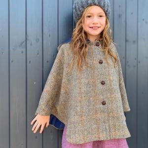 littleladiesandlords fashion Harris Tweed® cape